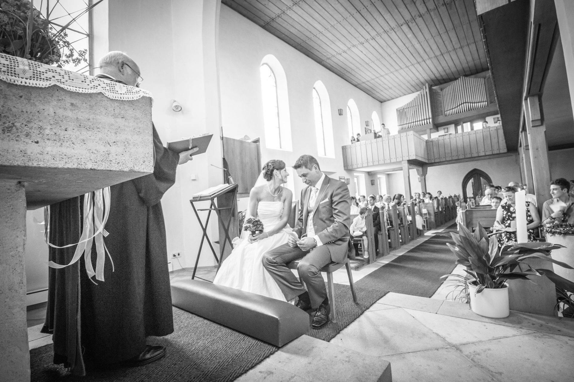 Hochzeitsfotografie in der Kirche Colmberg